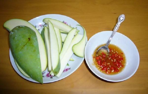 Cach-lam-nuoc-cham-xoai-xanh-2